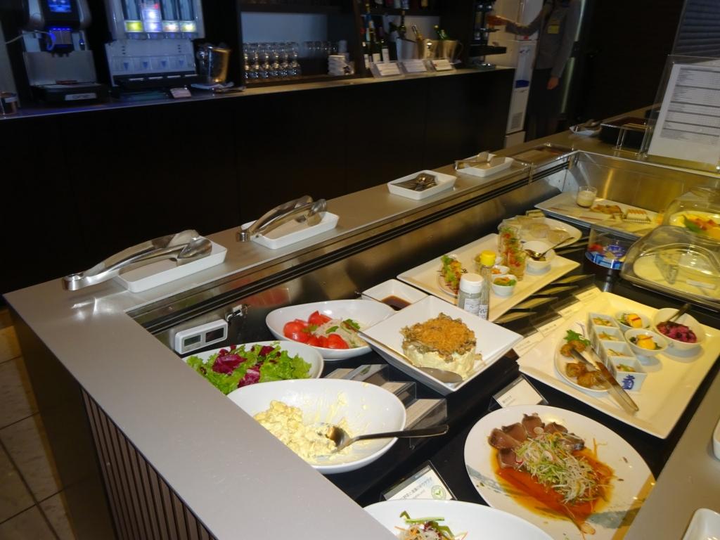 ANA LOUNGE(軽食コーナー)
