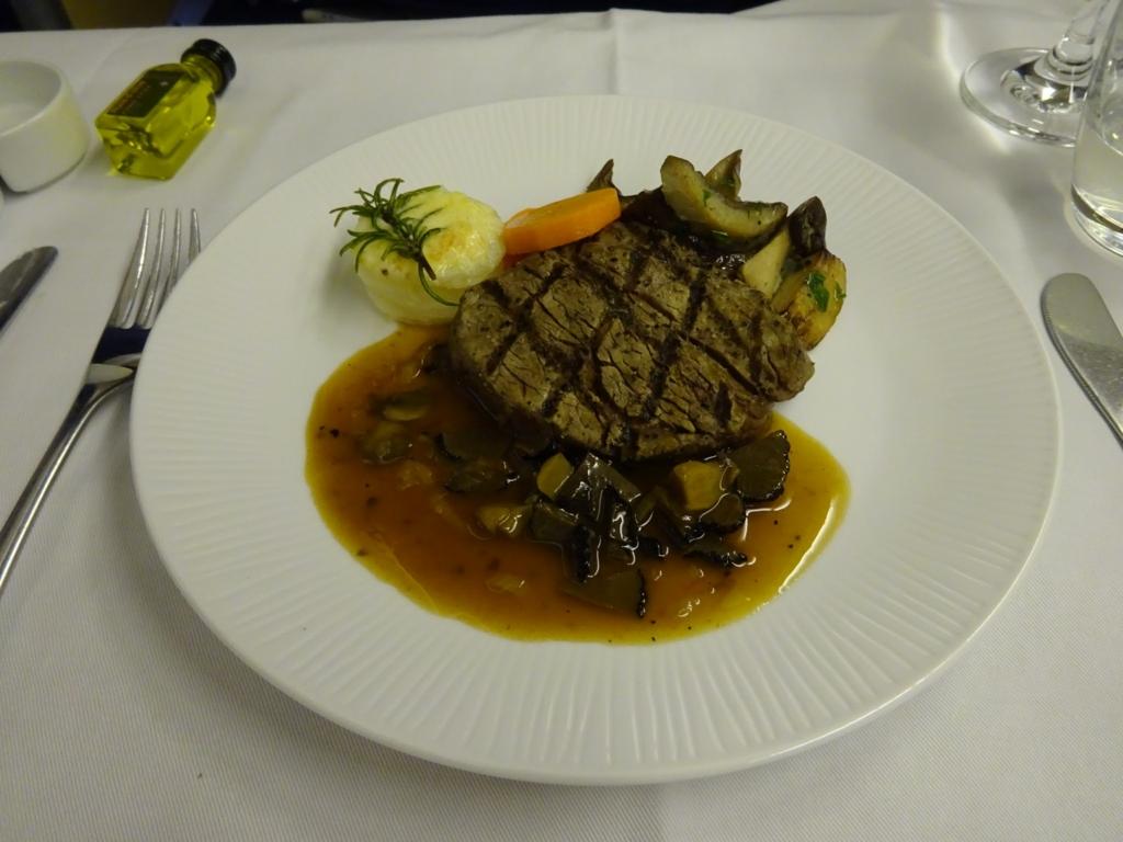 機内食 肉料理
